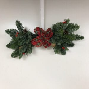 Decorated Mini Christmas Mantle